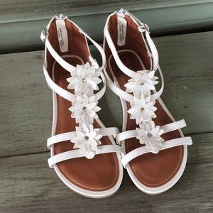 White Flower Sandals strappy